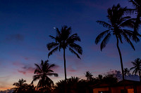 Crescent moon over Aruba no1 copyright ronaldzinconephotography