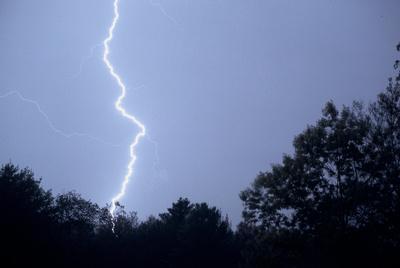 Cloud-to-ground Lightning capture, Richmond, RI copyright ronaldzinconephotography